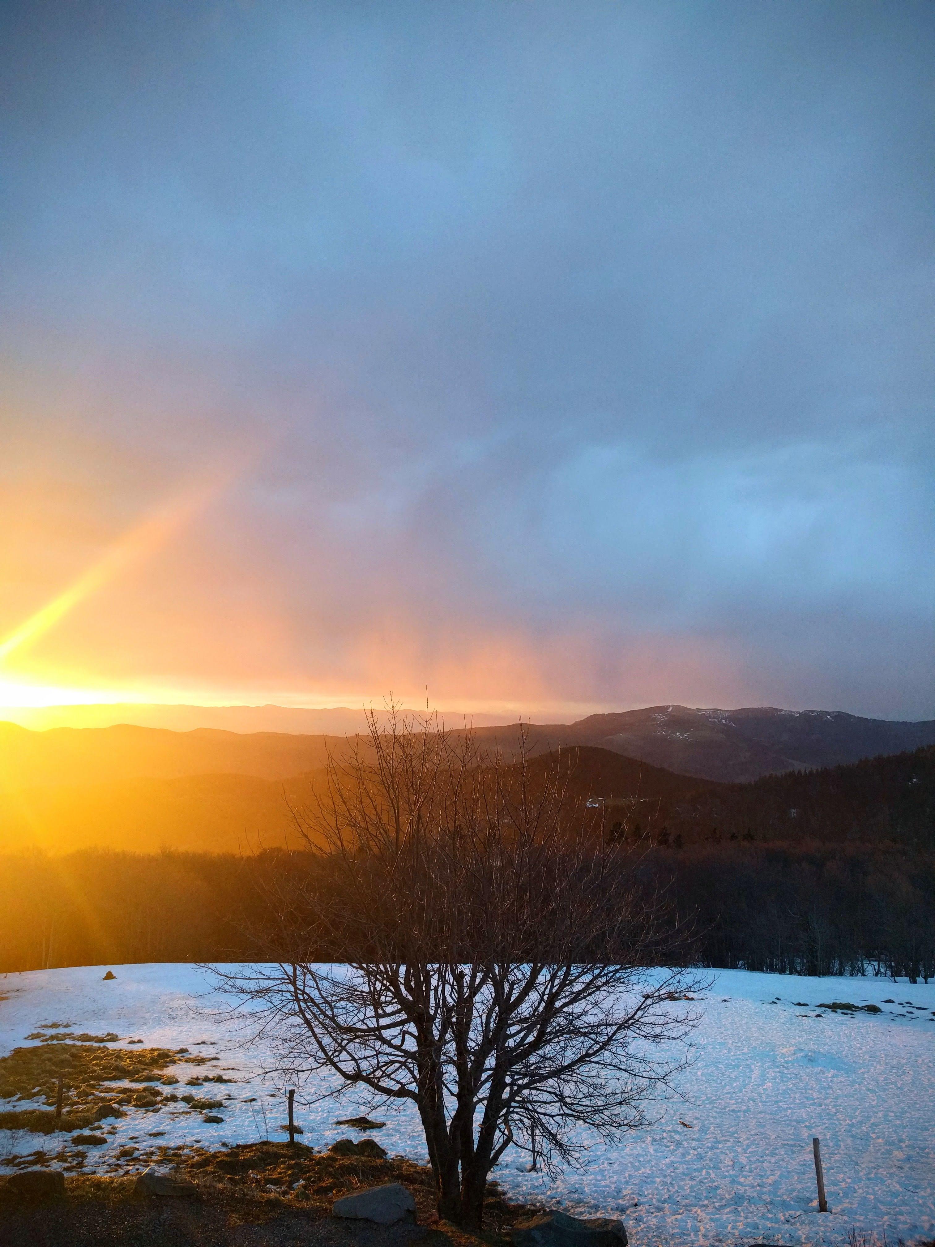Lever de soleil sur les Vosges en hiver