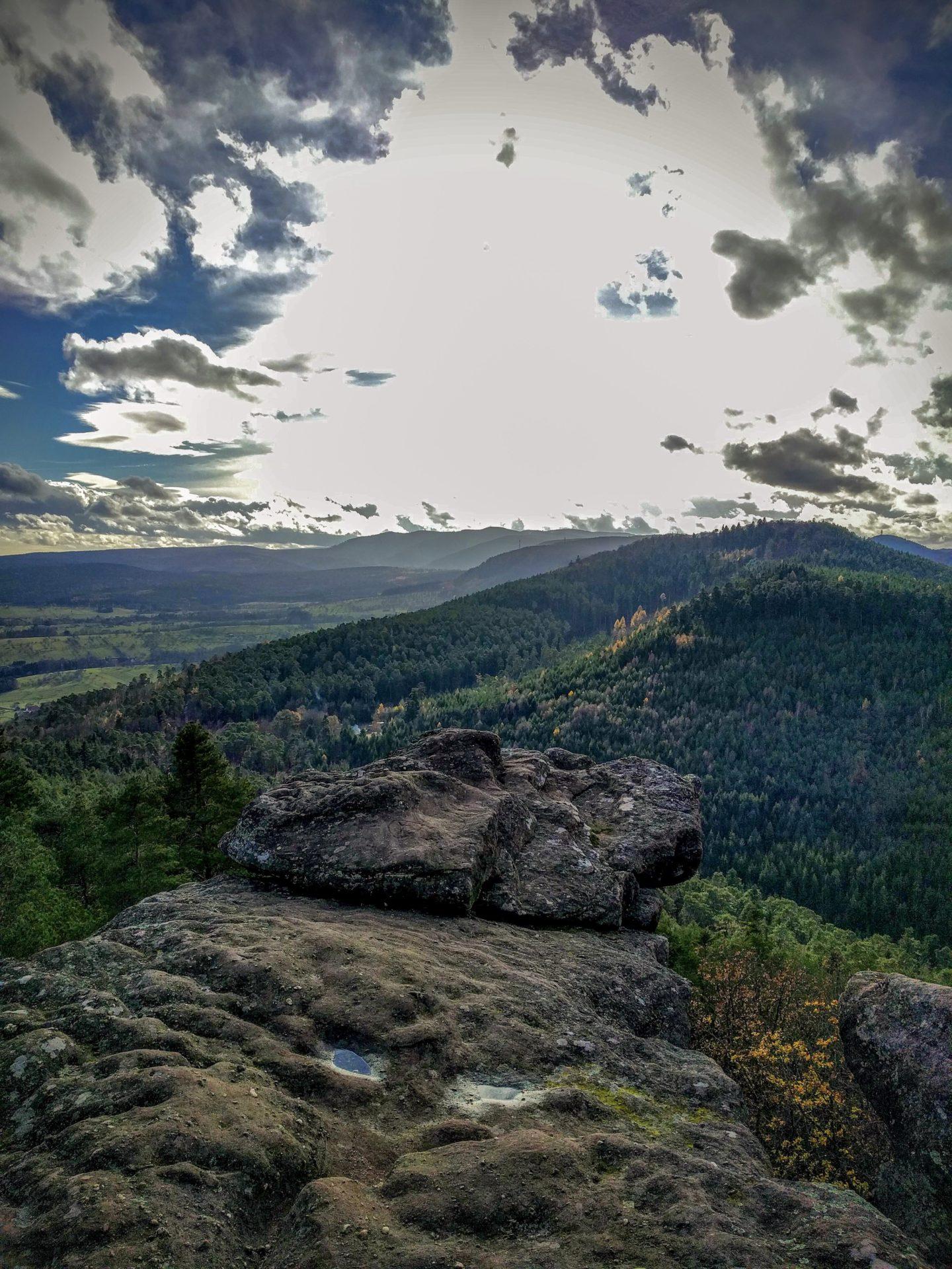 Panorama sur les Vosges du Nord depuis le rocher du Brotsch