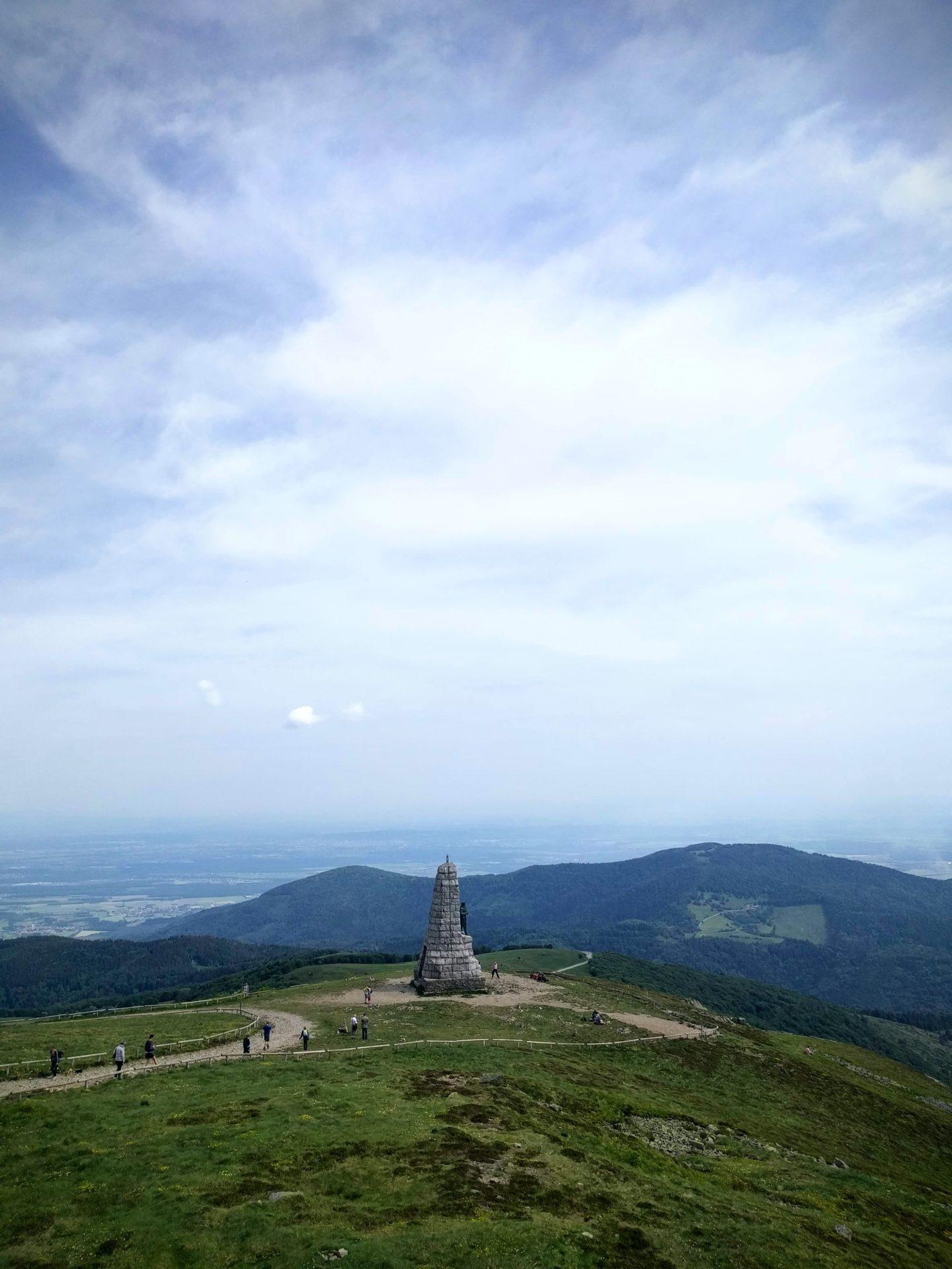 Le Monuments des Diables Bleus sur le Grand Ballon dans les Vosges