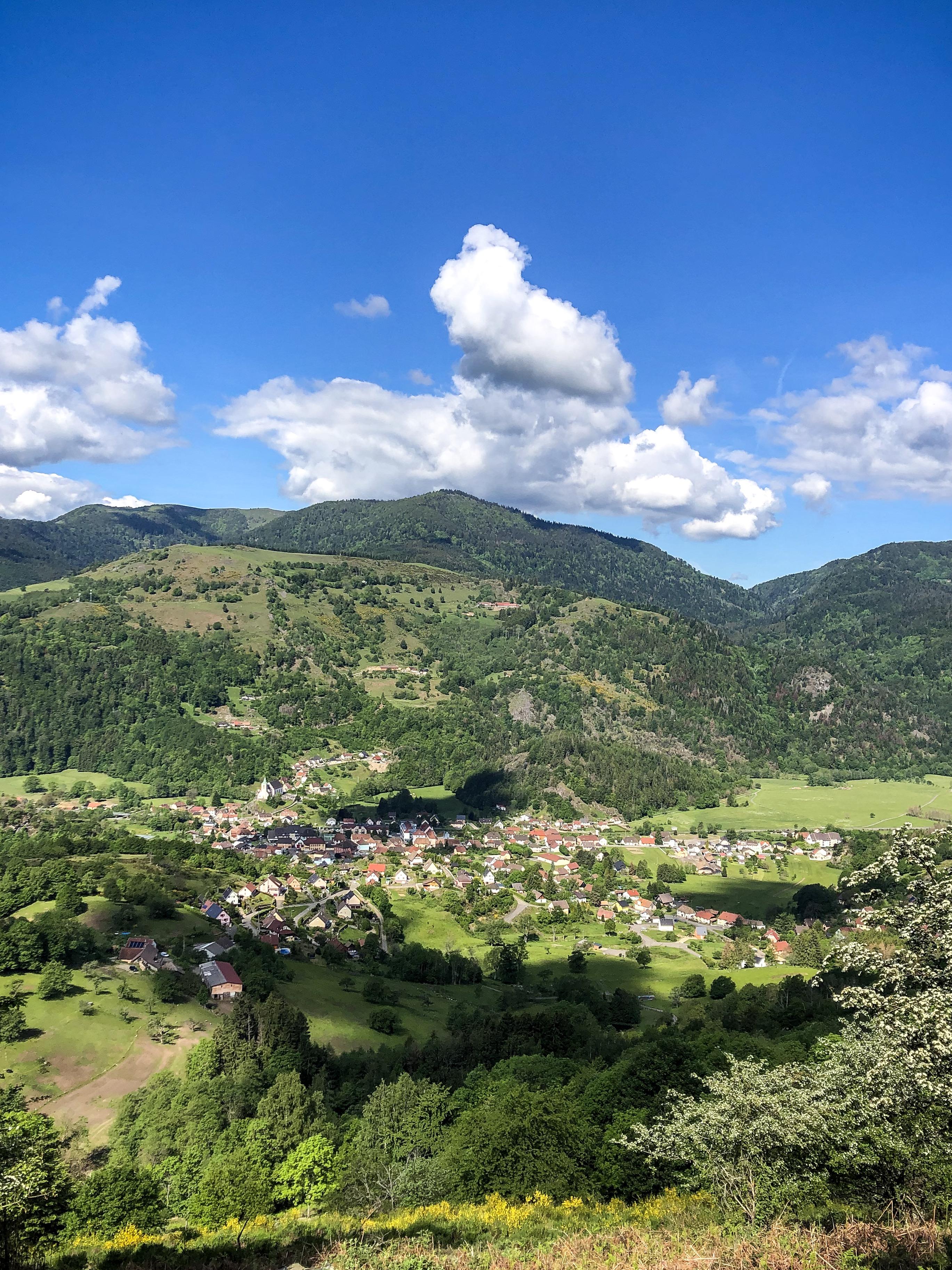 Le village de Ranspach dans la vallée de la Thur, massif des Vosges