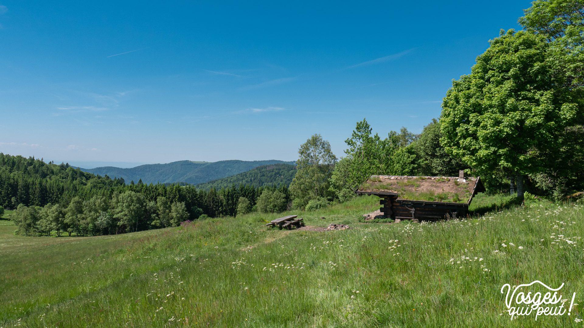 La cabane de la Haute Bers au-dessus de la vallée de la Thur dans les Vosges