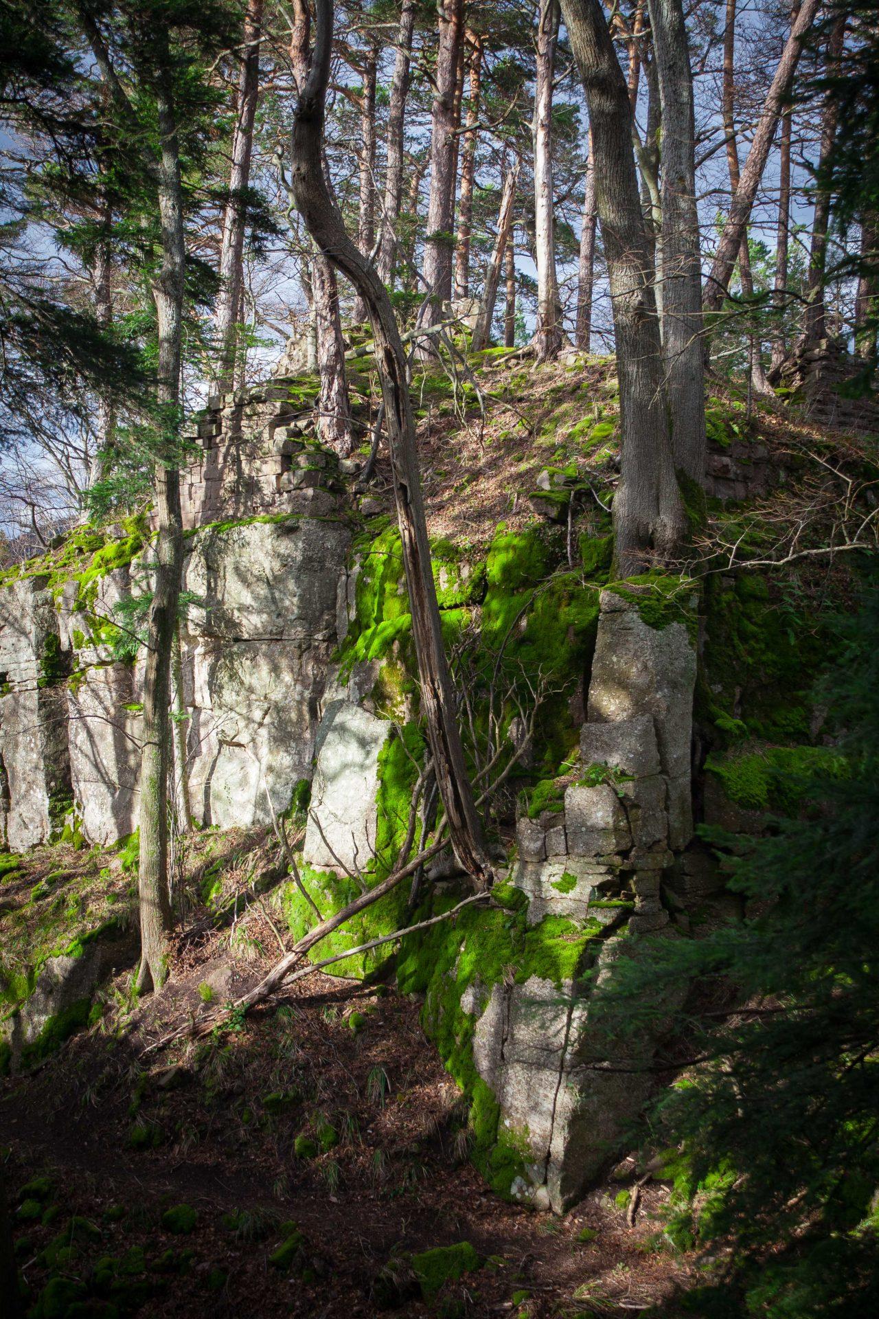 Un mur du château du Hagleschloss dans les Vosges