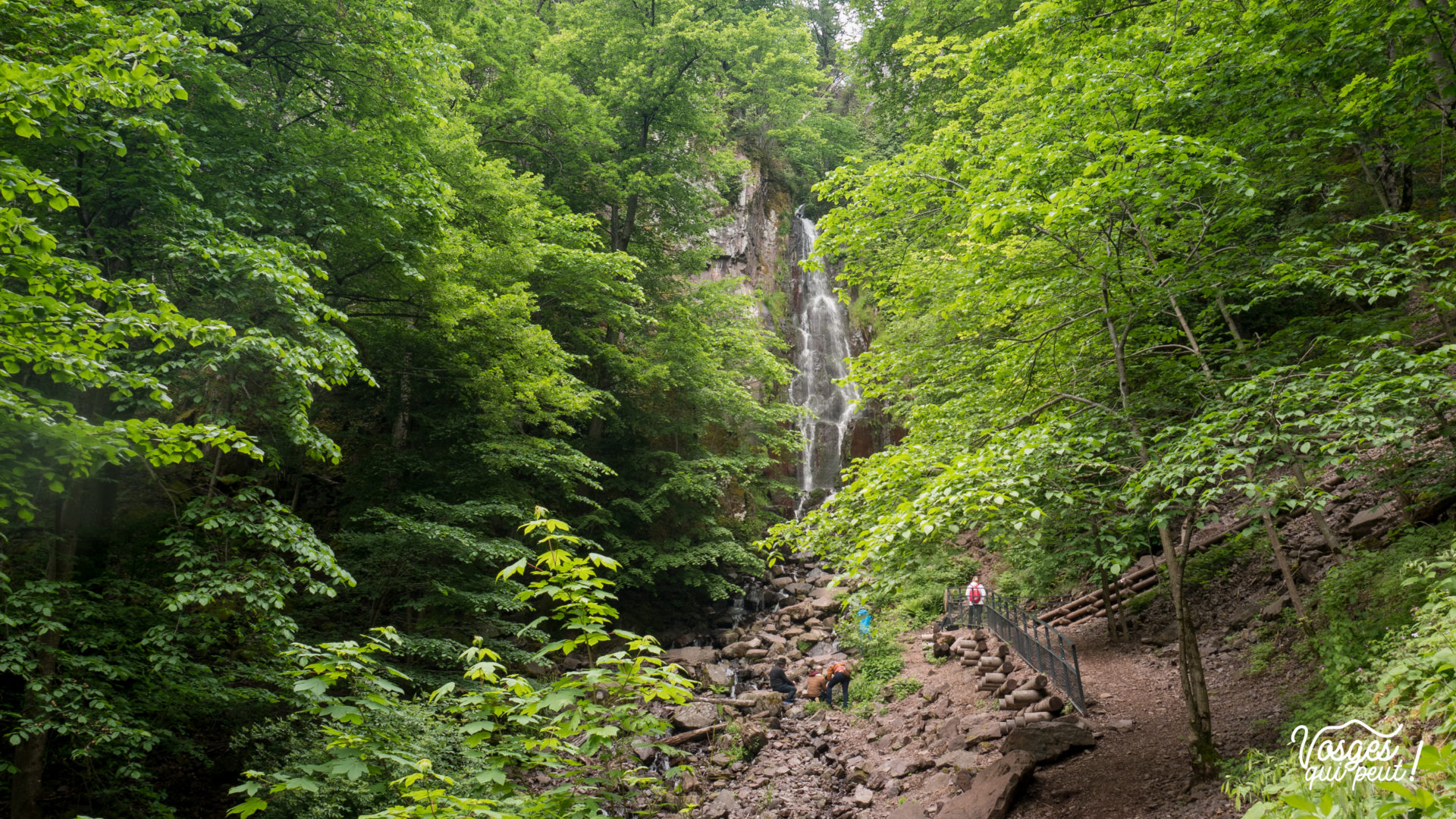 Cascade du Nideck en pleine forêt des Vosges en Alsace