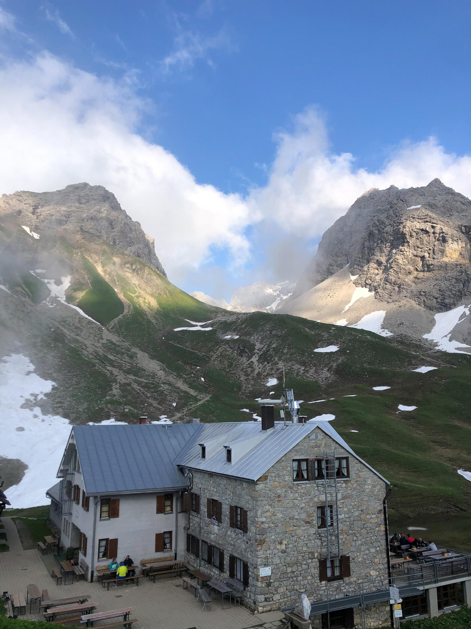 Le refuge de Rappensee dans les Alpes d'Allgäu en Bavière