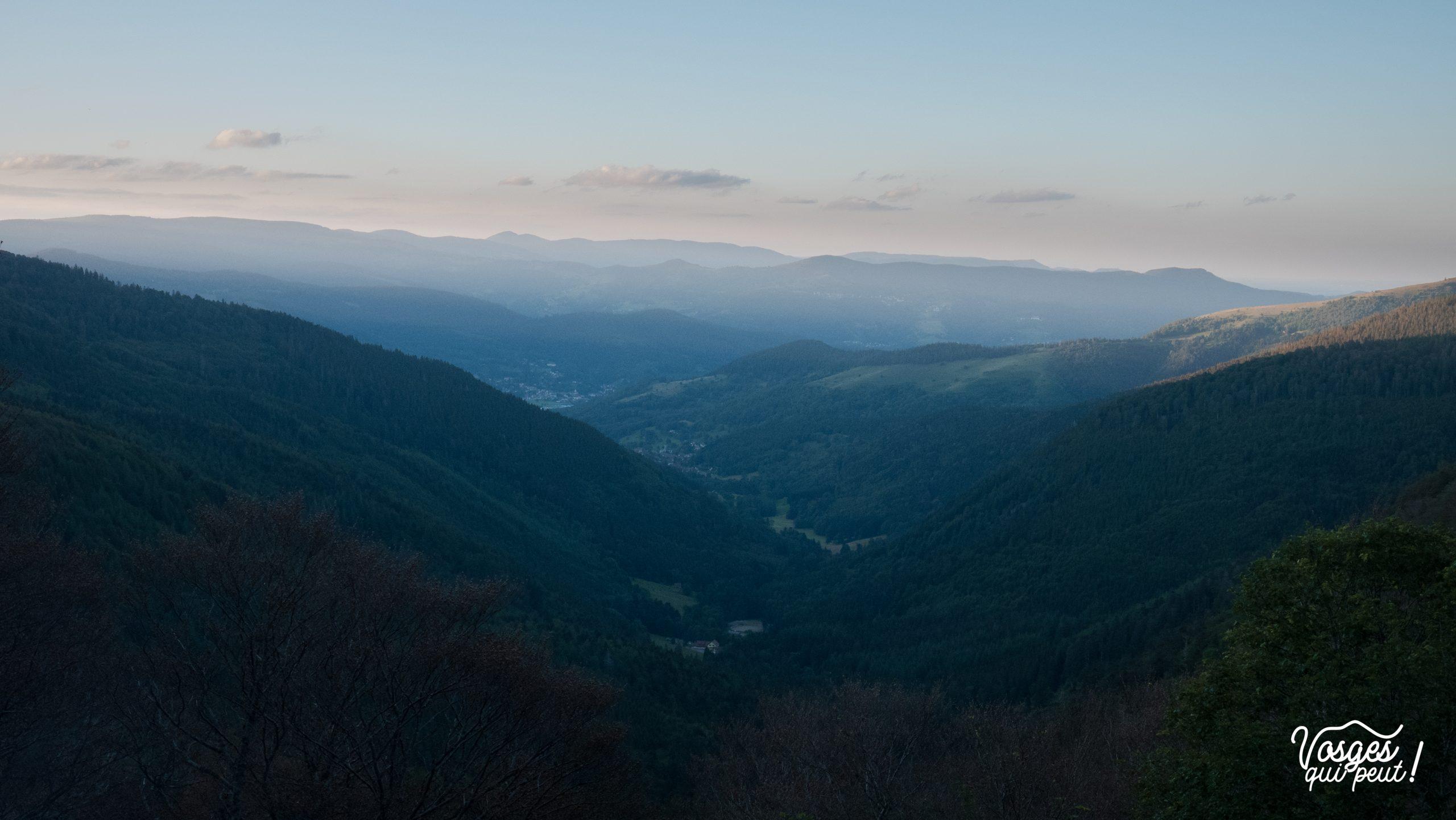 Le soleil se couche sur la chaîne des Vosges