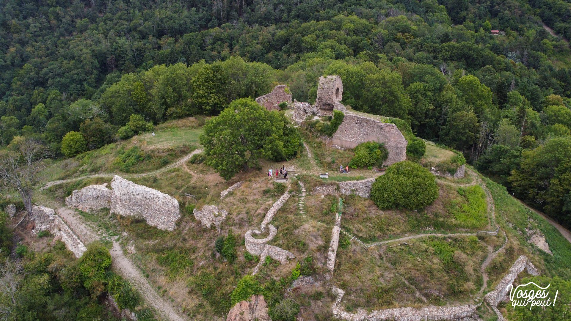 Vue aérienne du château de l'Engelbourg à Thann en Alsace