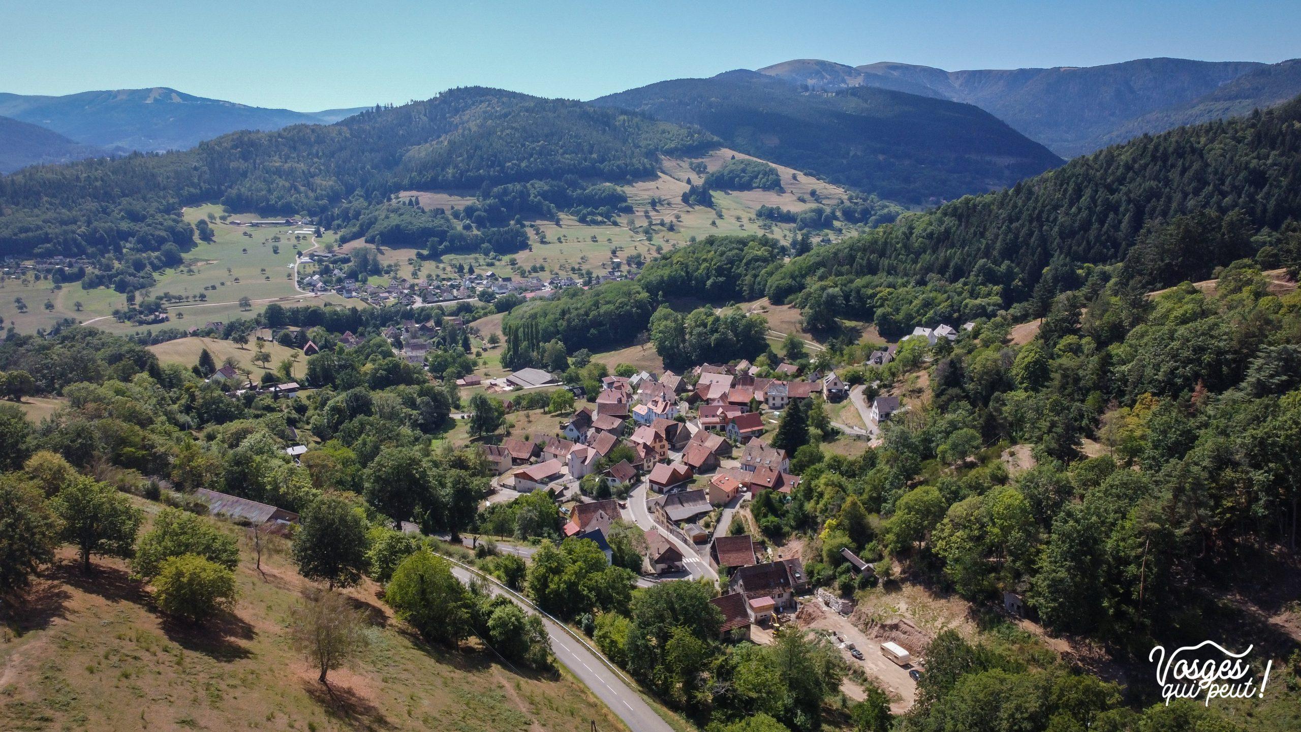 Vue aérienne du village de Hohrod dans les Vosges
