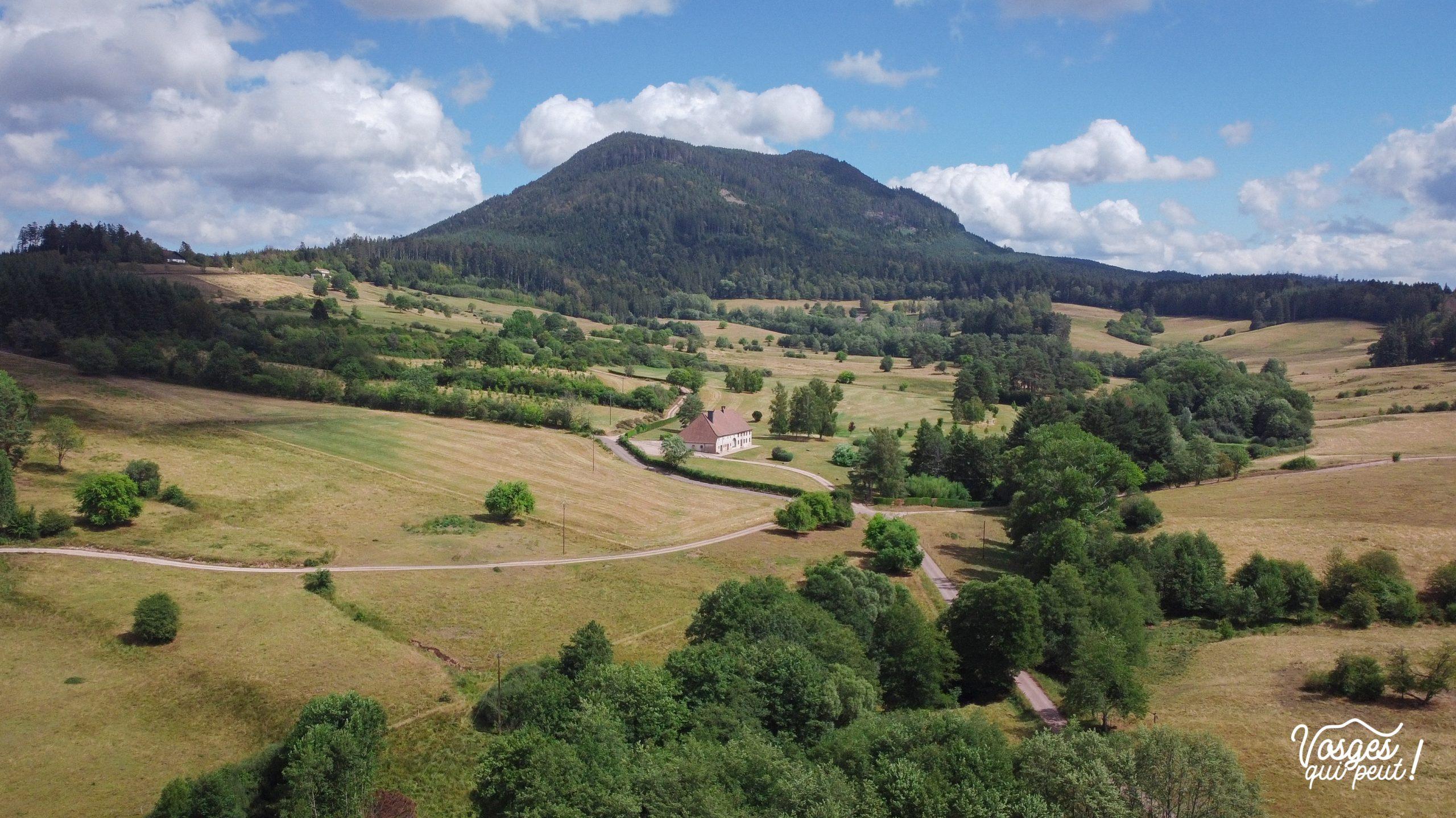 Vue aérienne du Climont depuis la clairière du Hang dans la vallée de la Bruche