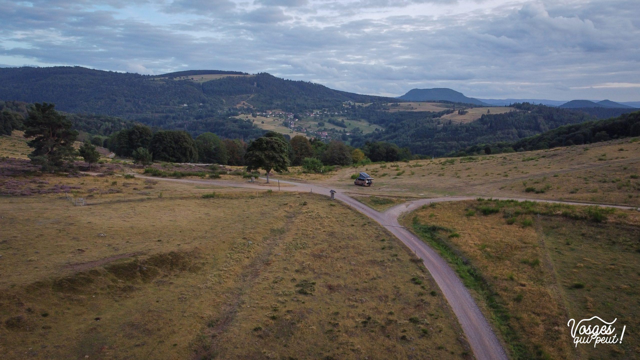 Vue aérienne sur le col de la Perheux dans la vallée de la Bruche