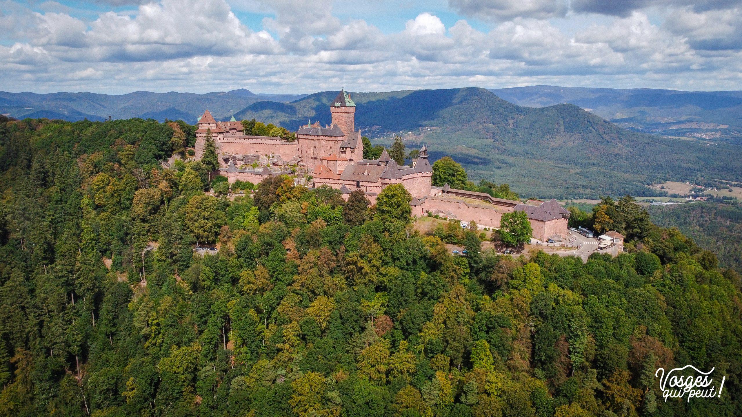 Vue aérienne du château du Haut-Kœnigsbourg dans les Vosges