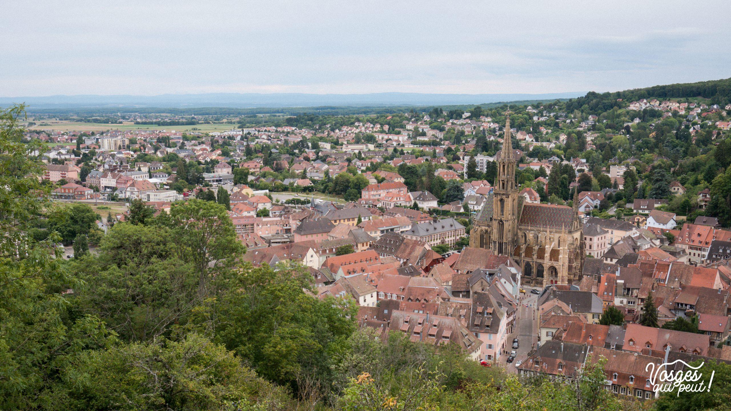 La ville de Thann depuis le château de l'Engelbourg Œil de la Sorcière