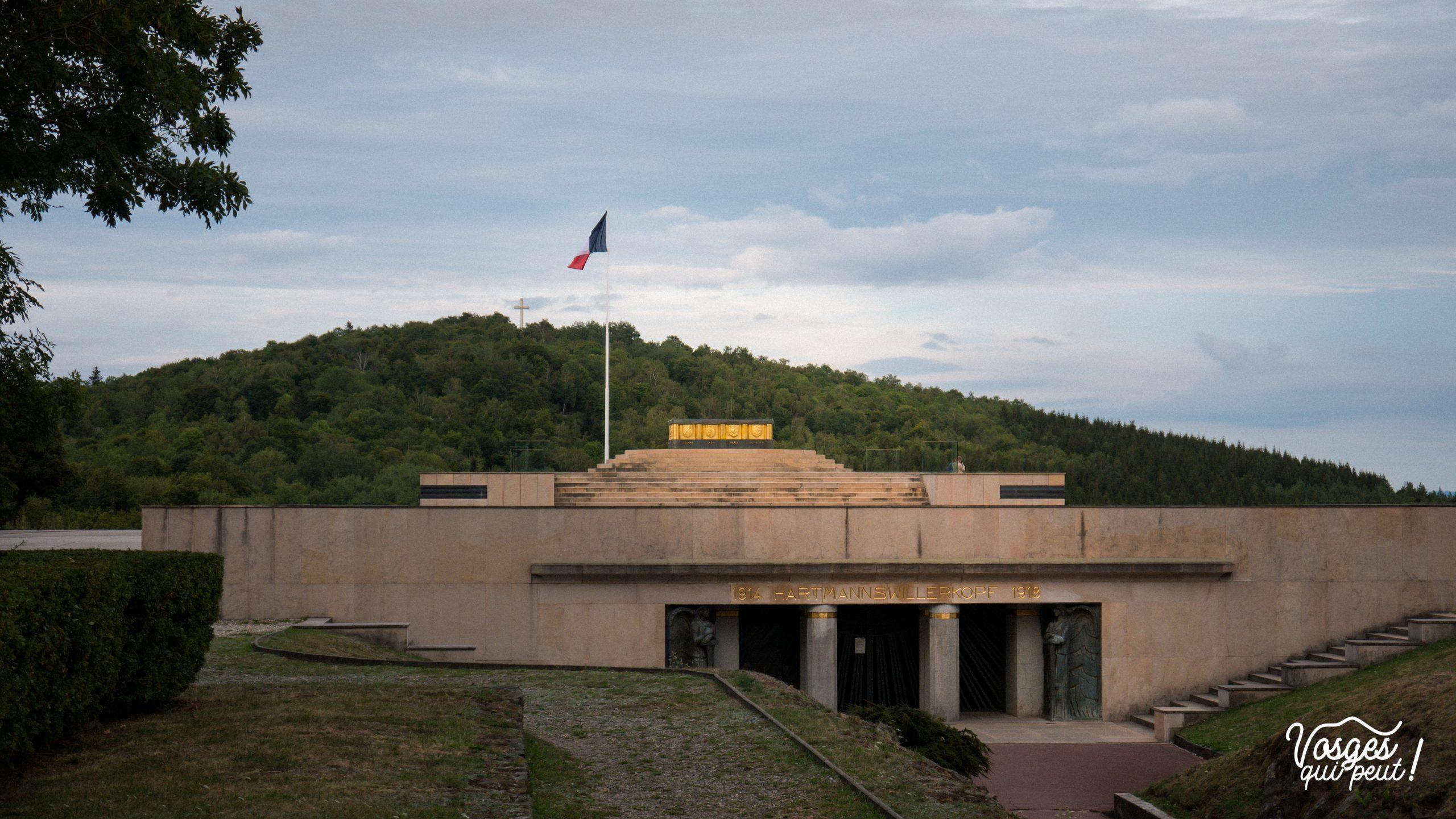 Entrée de la crypte du Hartmannswillerkopf dans les Vosges