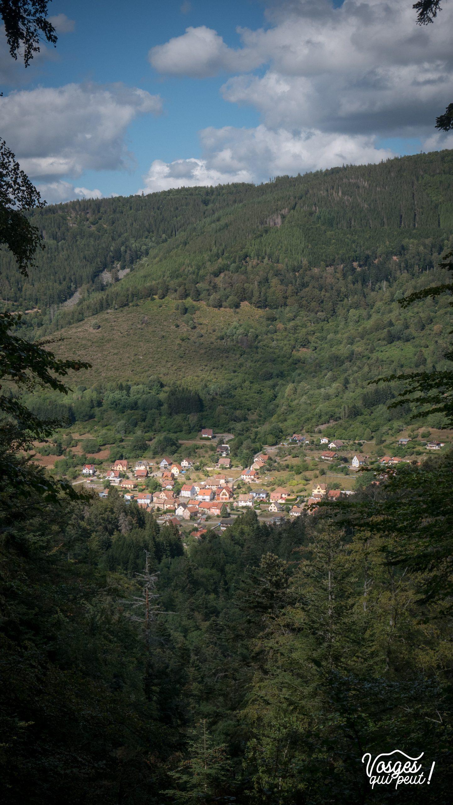 Le village de Natzwiller vu depuis la Grotte du Déserteur dans la vallée de la Bruche