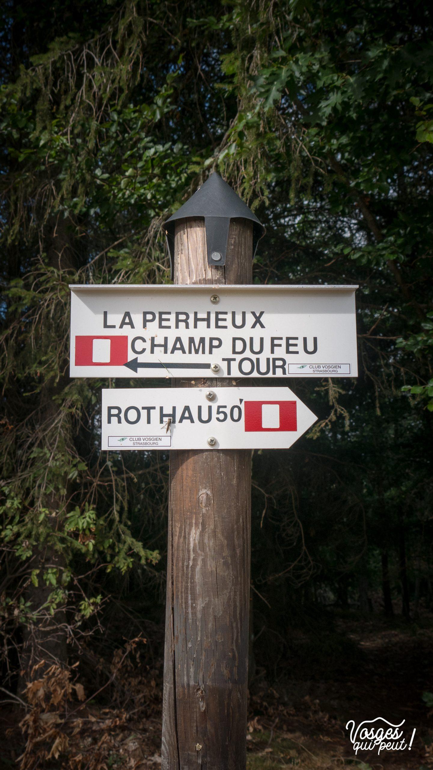 Un panneau directionnel dans la vallée de la Bruche