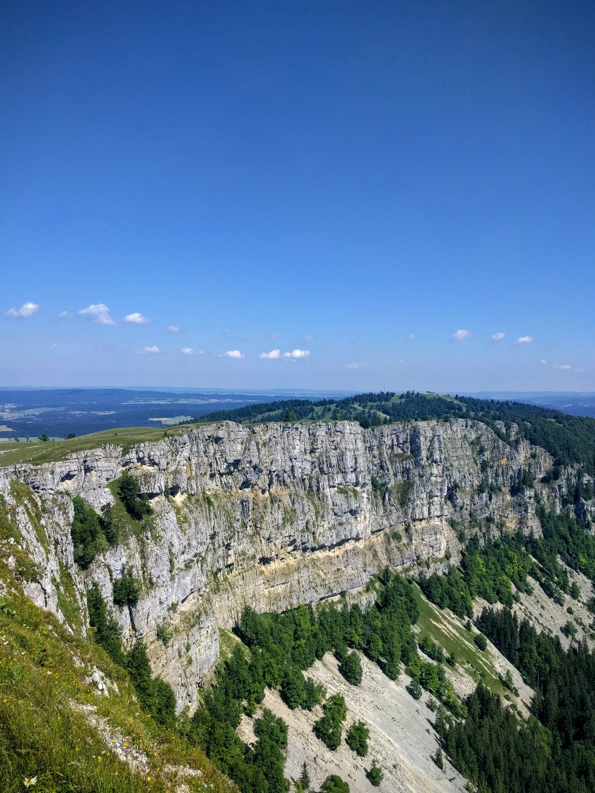Le sommet du Mont d'Or dans le Jura