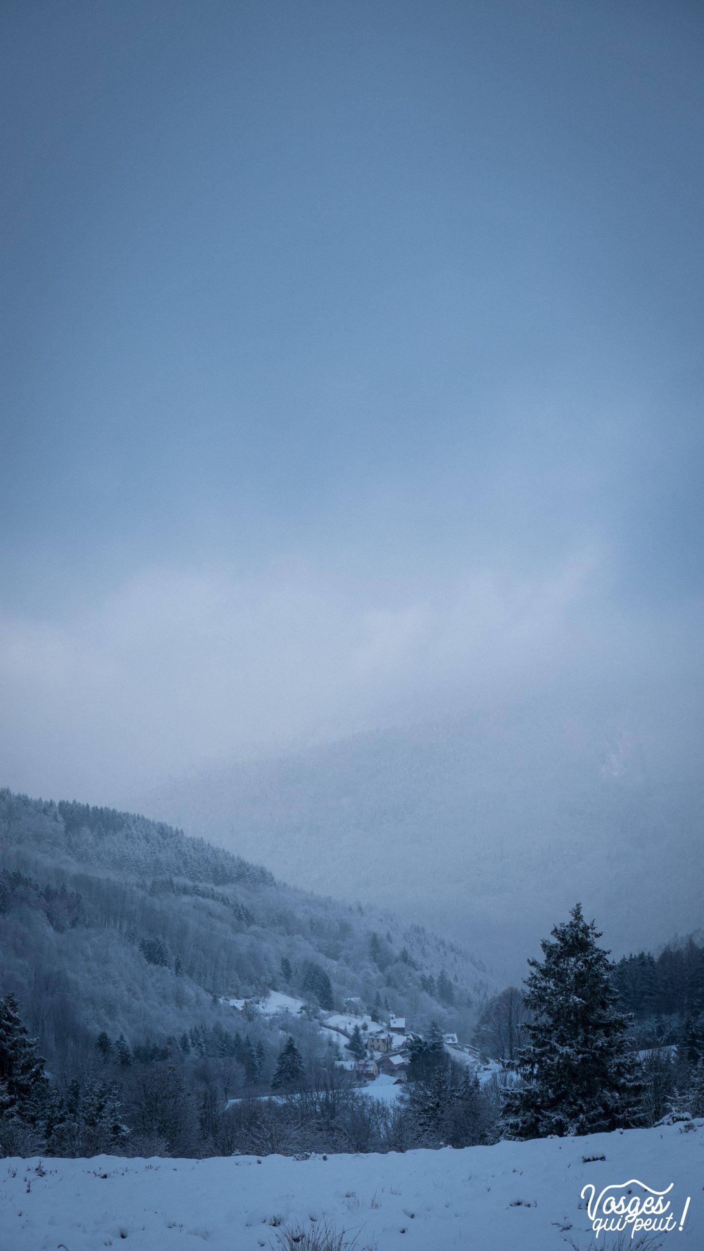Point de vue depuis le col de la Pehreux pendant une rando en raquettes dans les Vosges