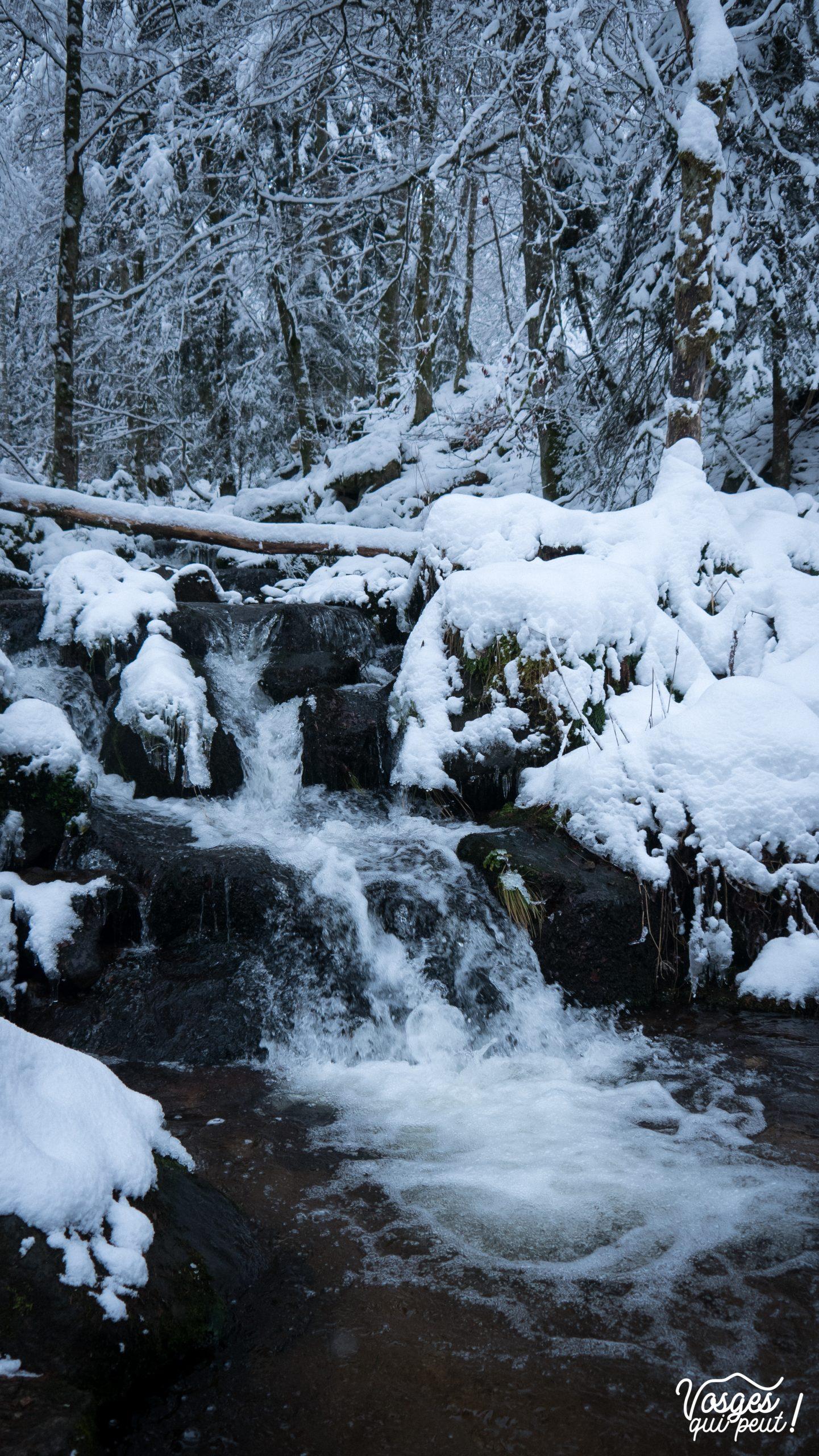 La cascade de la Serva en hiver