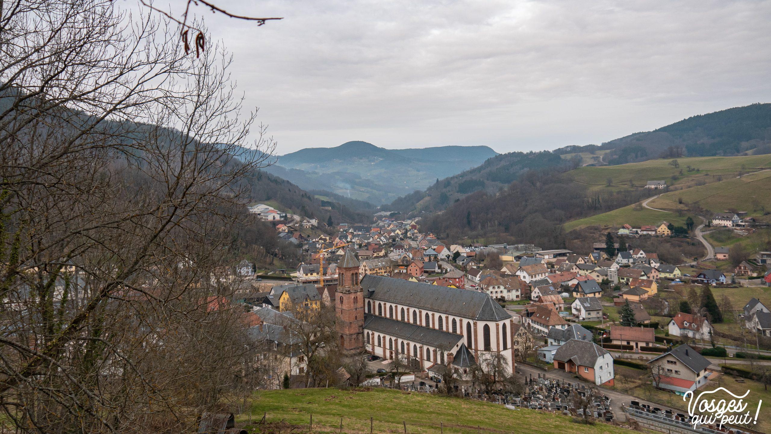 Vue sur Orbey pendant une randonnée dans les Vosges