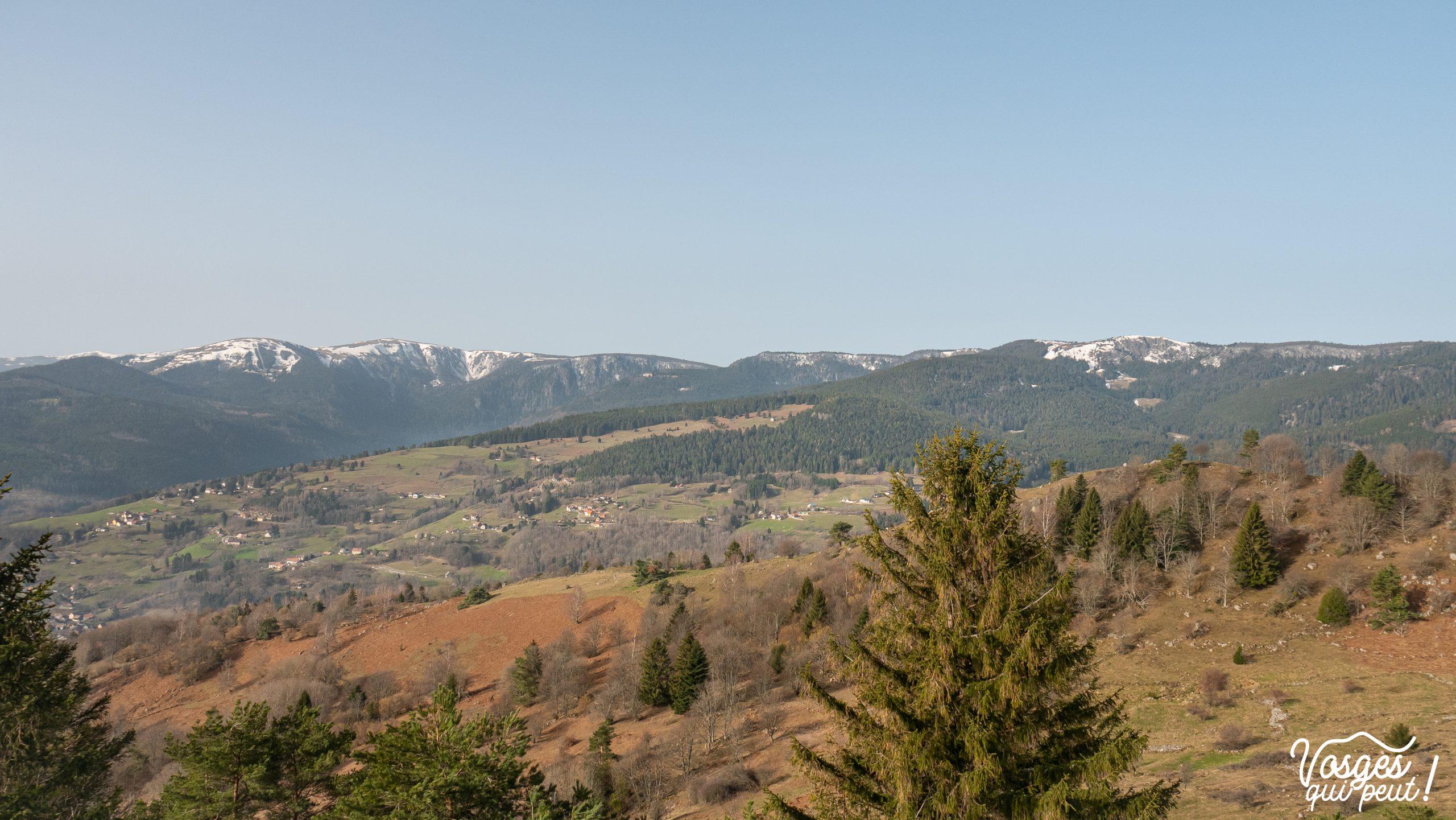 Vue les crêtes des Vosges