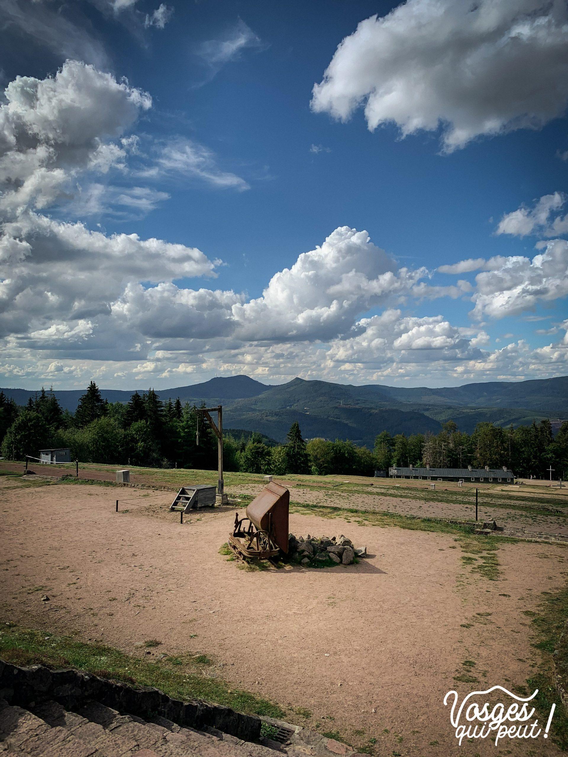 Place d'appel du camp de concentration du Struthof dans le Massif des Vosges