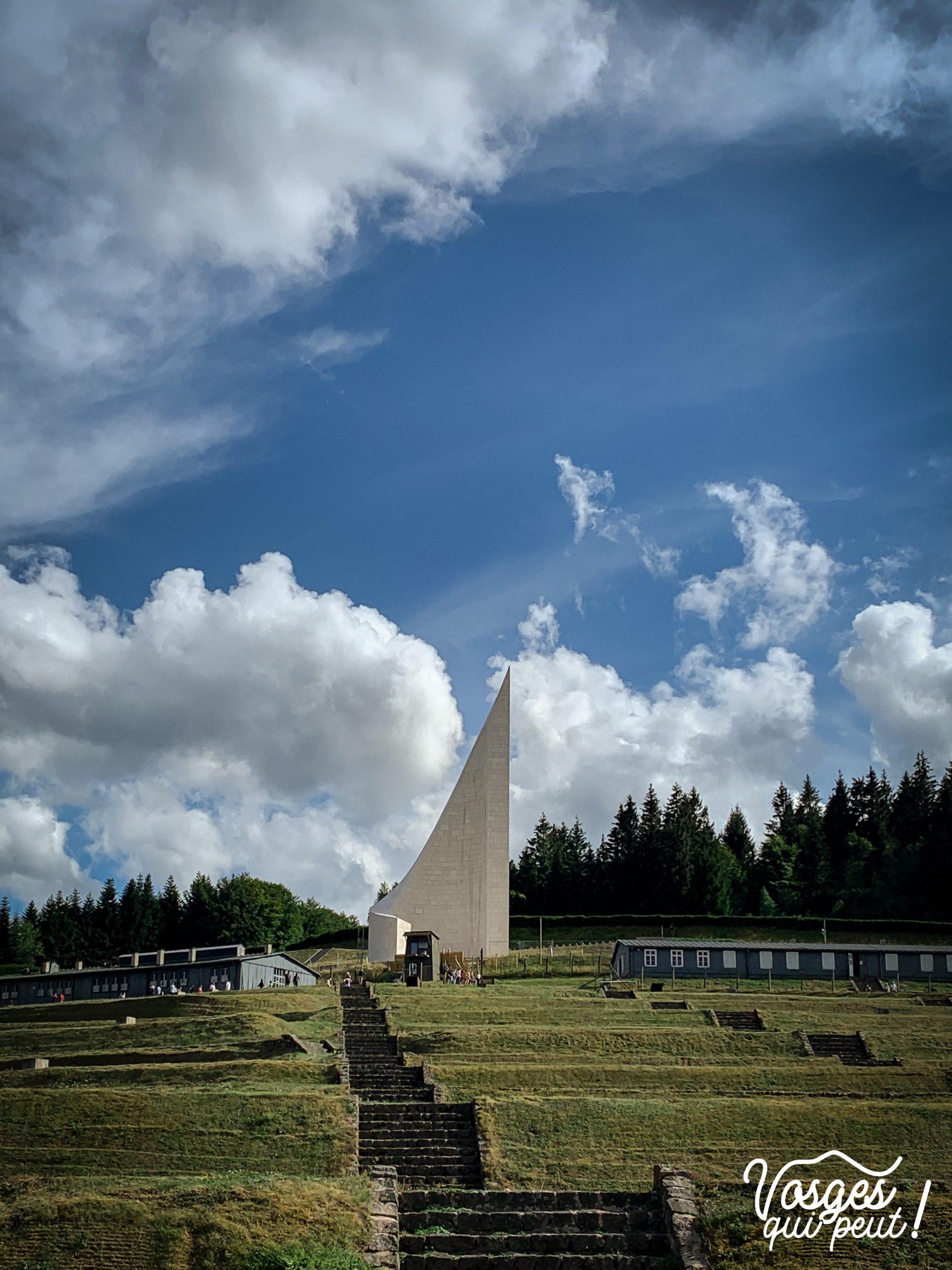 Monument mémoriel au camp de concentration du Struthof dans le Massif des Vosges