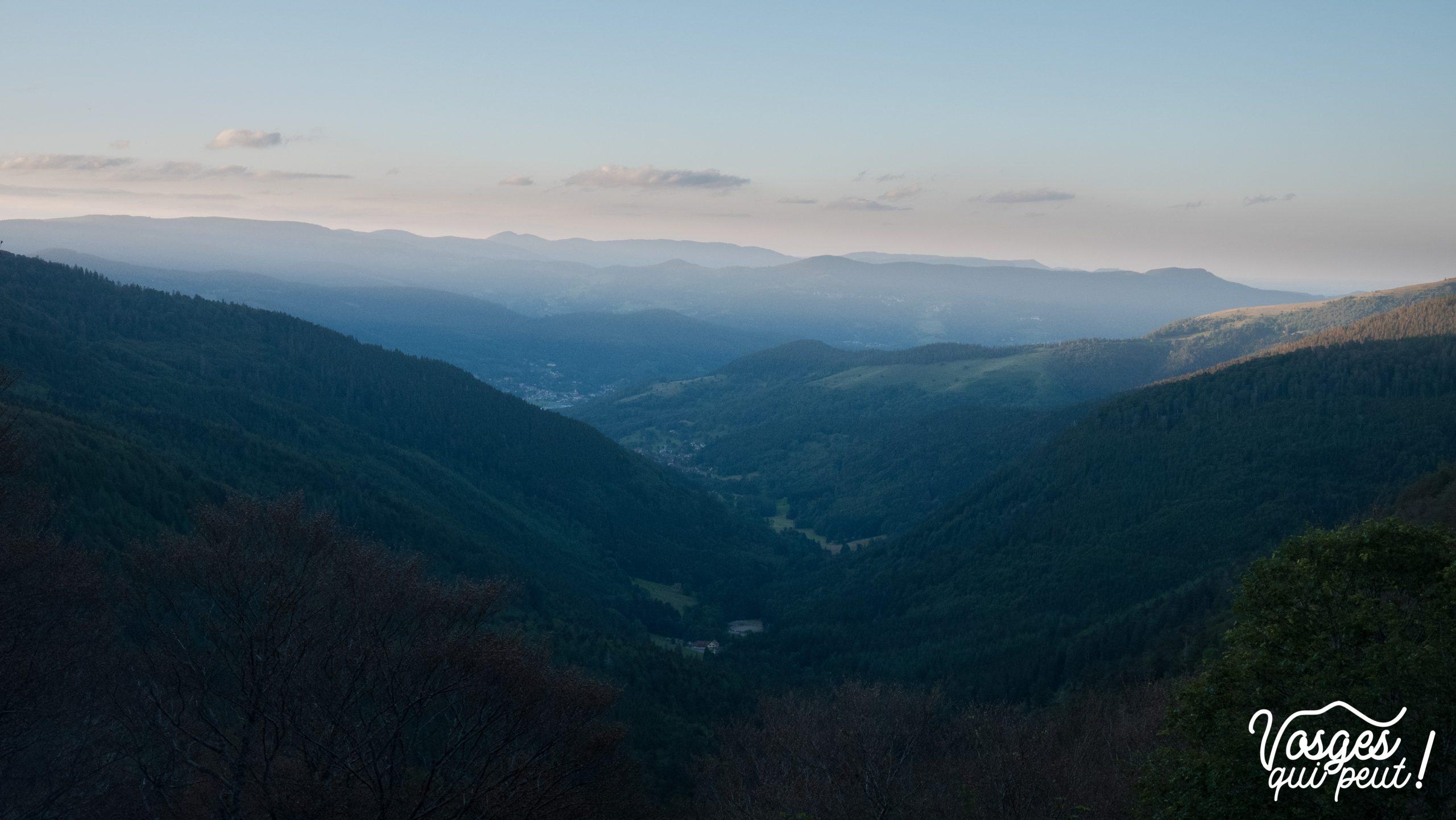 Vue depuis le col d'Oberlauchen sur la vallée de Munster dans le Massif des Vosges